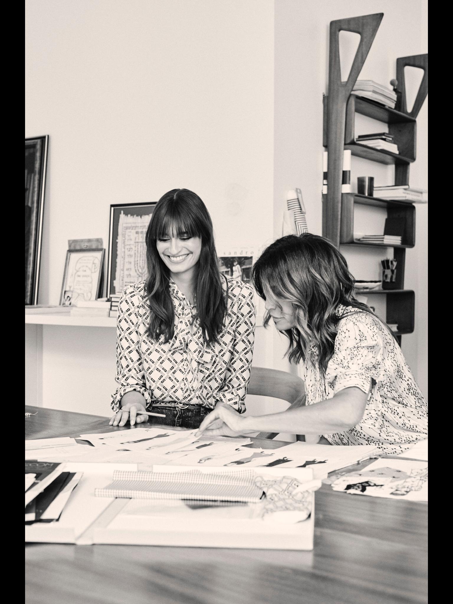 Découvrez la nouvelle collection de Sandro avec Clara Luciani